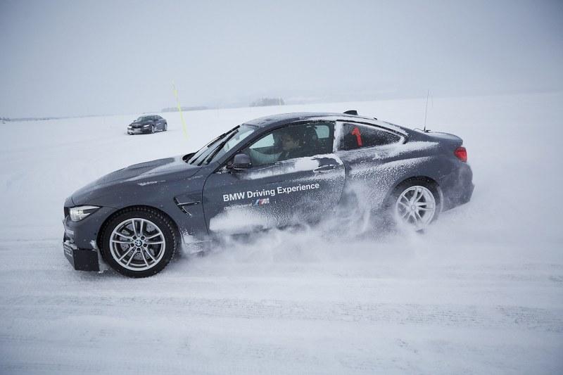 บีเอ็มดับเบิลยู ประเทศไทย จัด BMW M Ice Experience  เร้าใจกับดริฟต์รถบนพื้นทะเลสาบน้ำแข็งที่สวีเดน