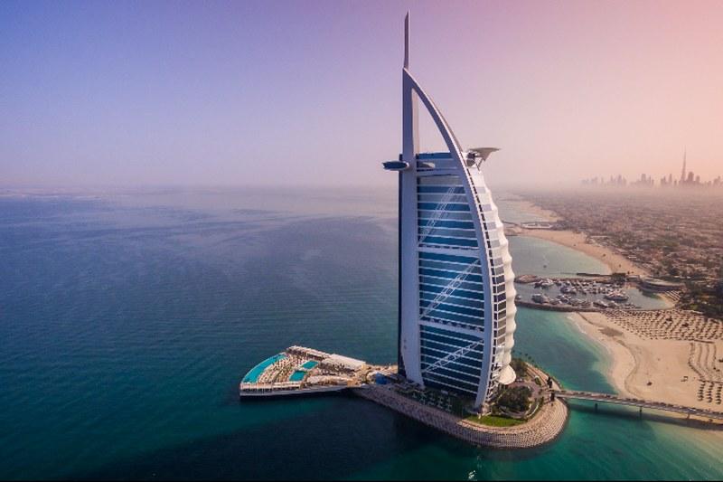 Tom Wright บอกเล่าความสำเร็จผ่านรูปแบบอาคาร เจ้าของผลงานการออกแบบโรงแรม Burj Al Arab