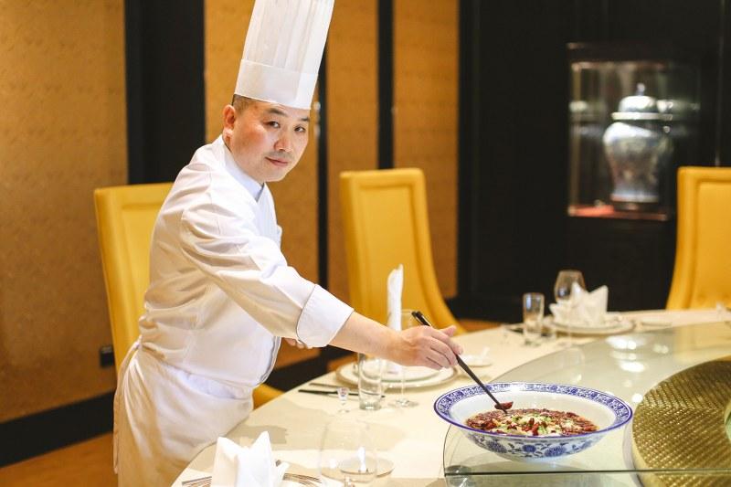 """InterContinental Hua Hin Resort เชิญลิ้มรสอาหารจีนต้นตำรับมณฑลเสฉวน ฝีมือเชฟ """"ถัง ซิ่งผิง"""""""