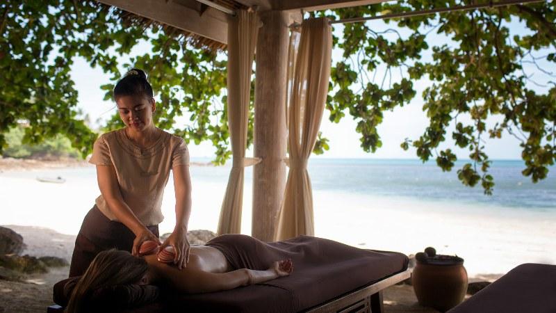 Four Seasons Resort Koh Samui เสนอ ซิกเนเจอร์ทรีทเมนท์ Lava Shell Massage