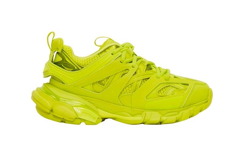 """ยลโฉมดีไซน์ใหม่ รองเท้าผ้าใบBalenciaga Track2 ในสี""""Acid Lime"""""""