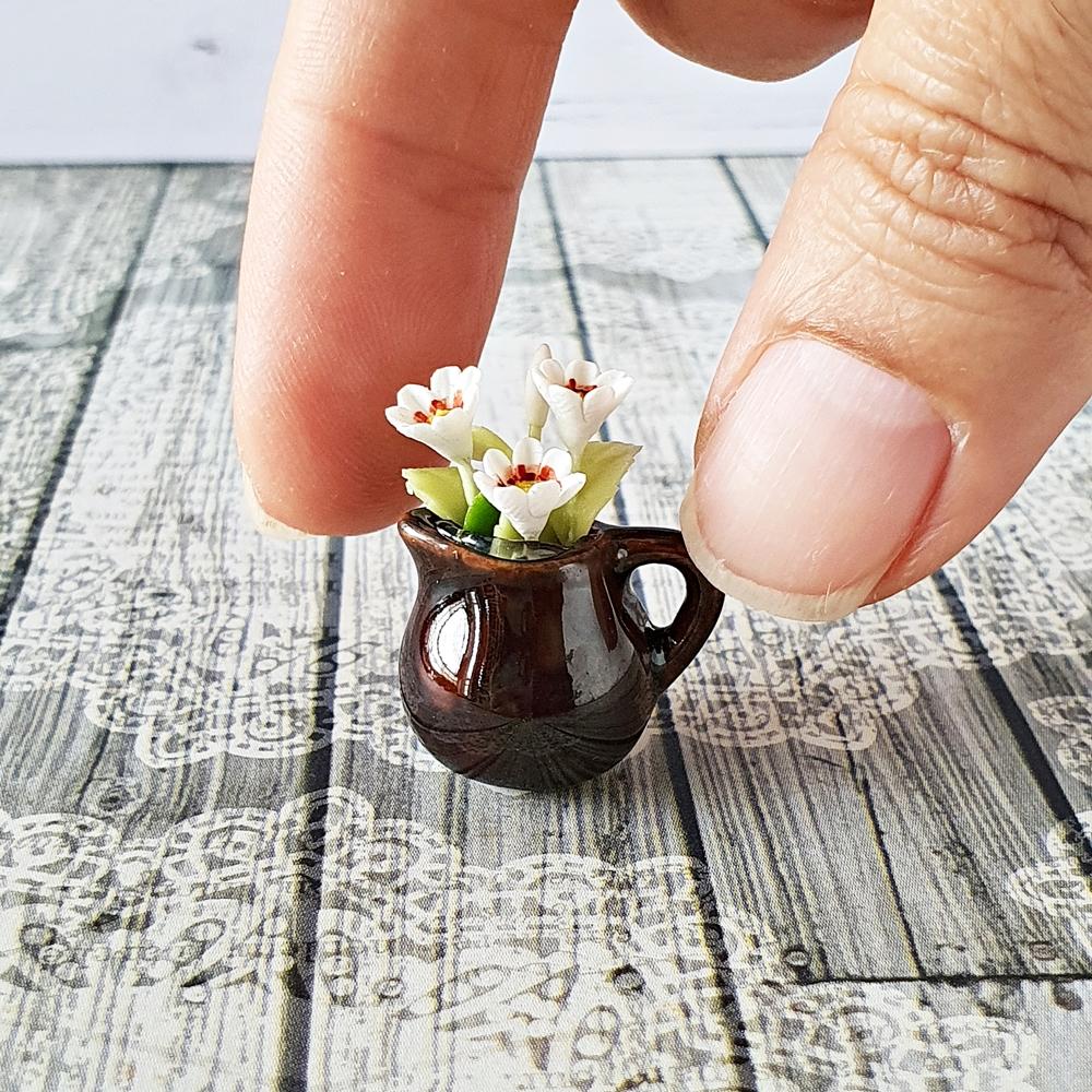 Dollhouse Miniatures White Flower in Ceramic Vase Pot