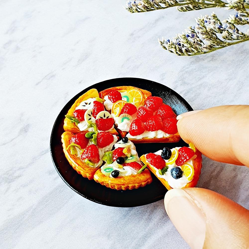 Dollhouse Miniatures Food Bakery Mixed Fruit Pie Set