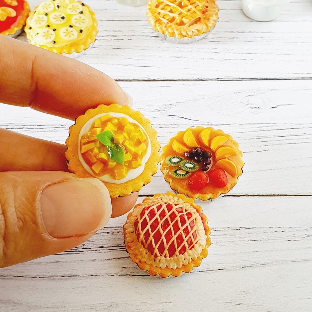 Dollhouse Miniatures Food Bakery Fruit Pie Sweet Dessert for Doll Barbie Blythe Decoration