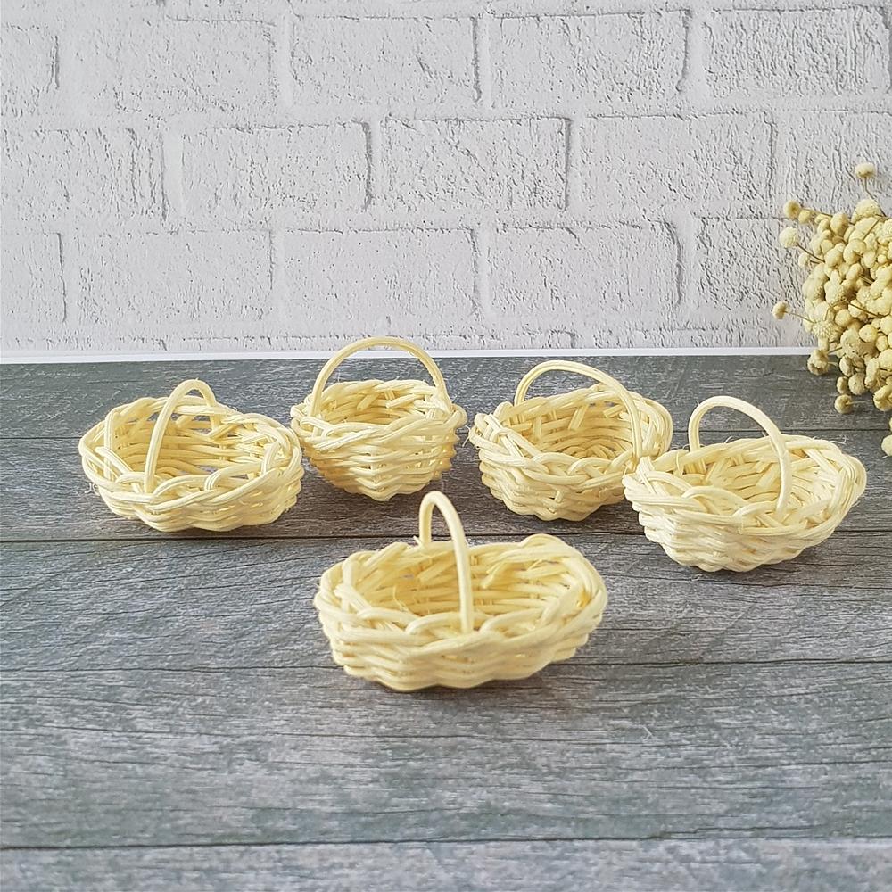 Dollhouse Miniatures Oval White Weave Wicker Rattan Basket