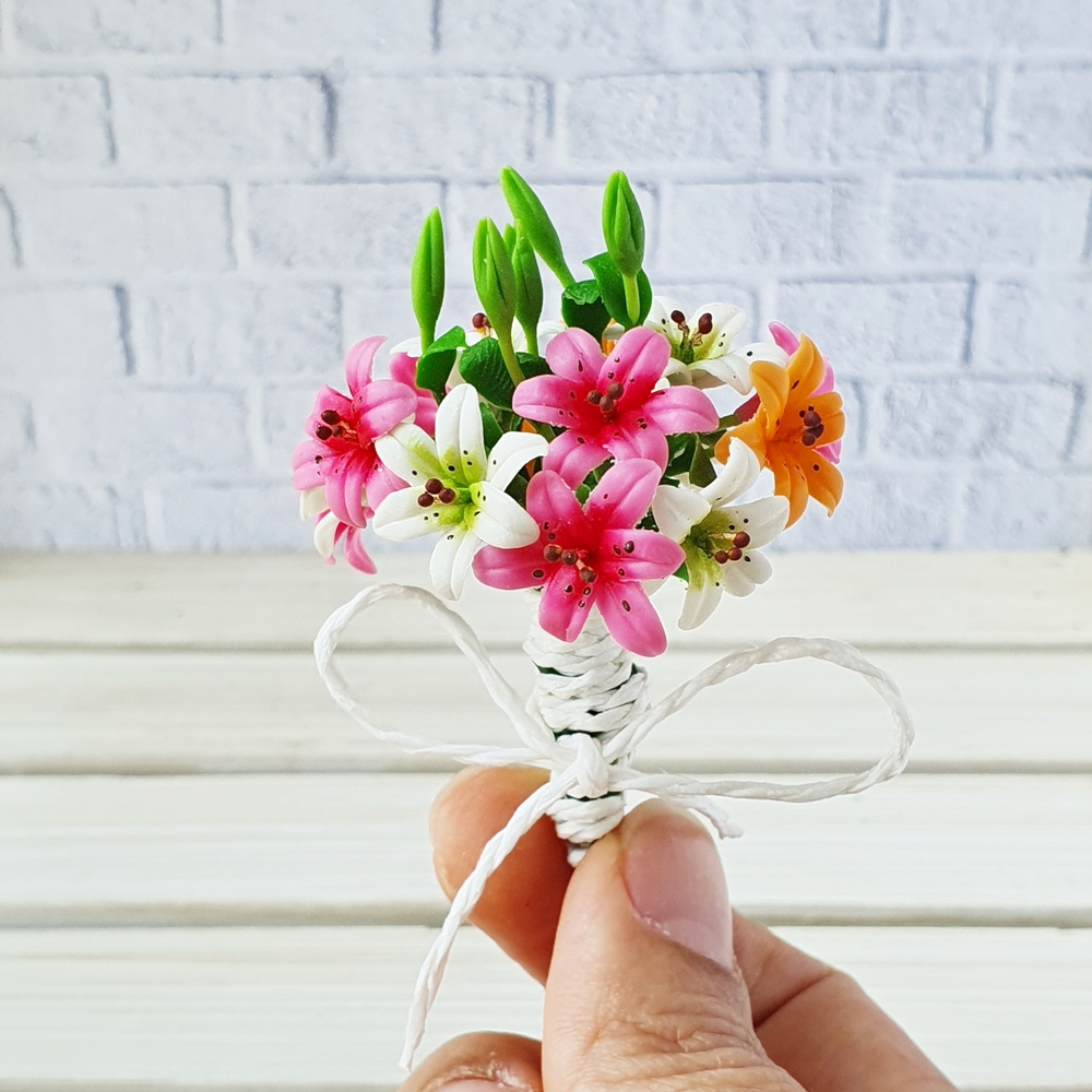Dollhouse Miniatures Clay Flower Colorful Lily Bouquet