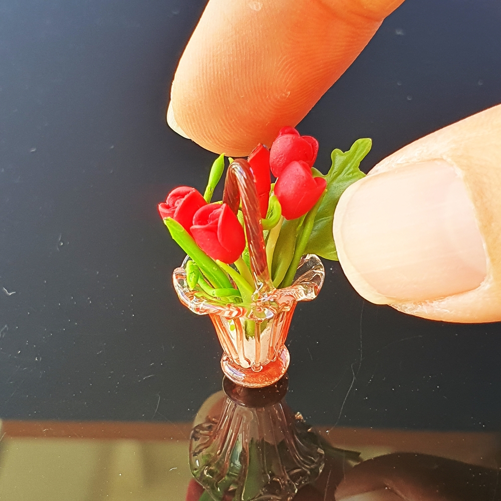 Dollhouse Miniatures Clay Flower Tulip in Glass Vase