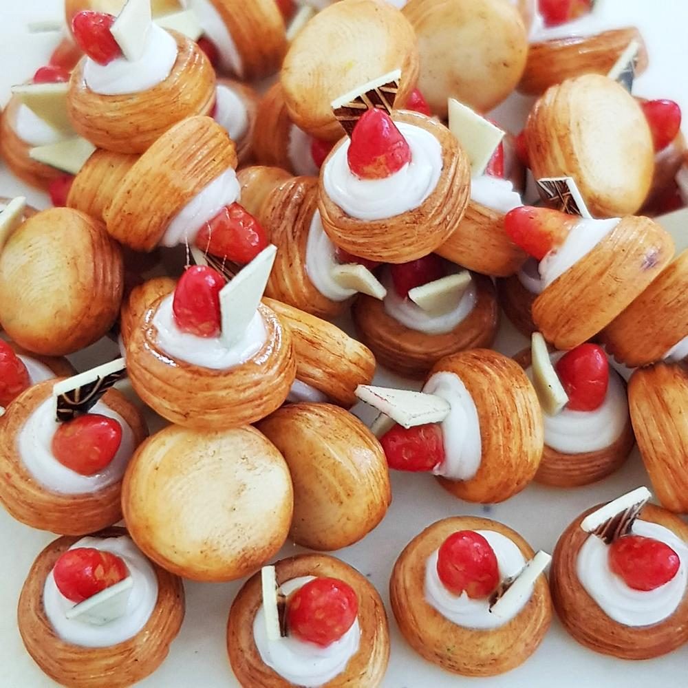10x Mini Tiny Strawberry Pie Tart 1:12 Dollhouse Miniature Food Bakery Dessert Decoration