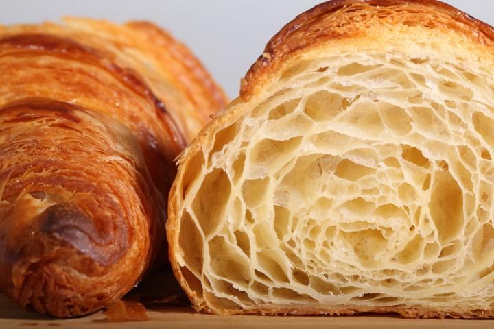 ทำครัวซองต์ให้ปัง แจกสูตรครัวซองต์ฝรั่งเศส พร้อมเทคนิคแบบละเอียด - Classic French Croissant Recipe