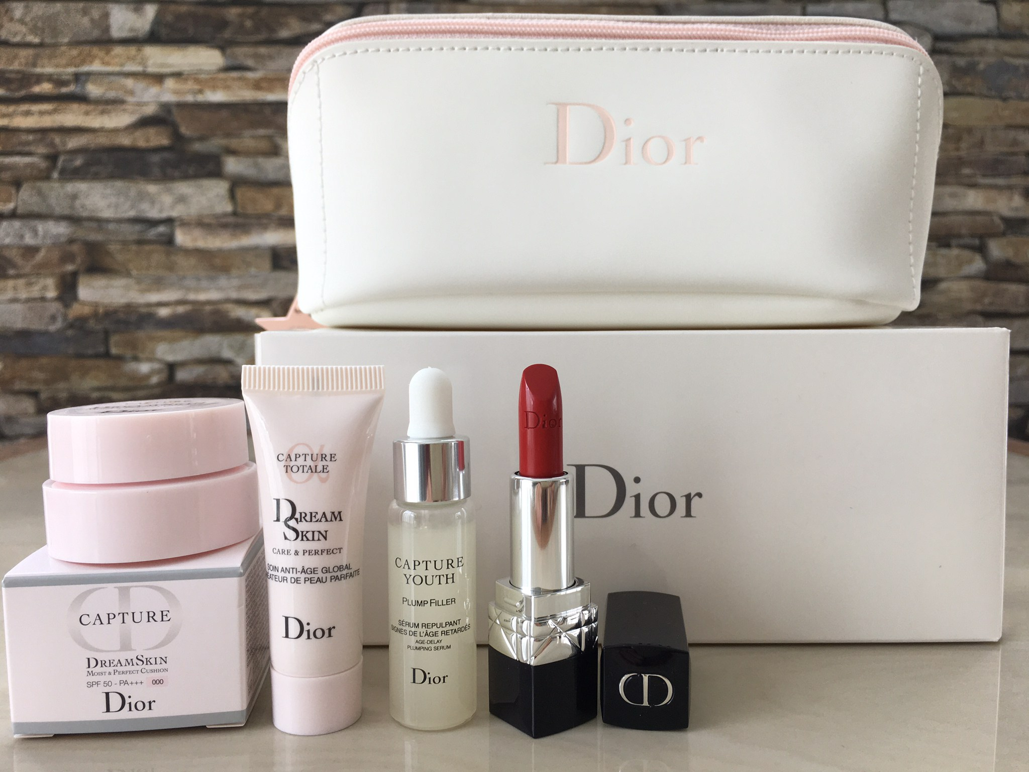 Capture Dreamskin Set 4 Pcs With Dior Pouch Limited-Edition 2020 (กระเป๋าสีขาว)