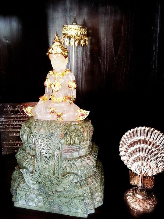 ถวายพระแก้วทรงเครื่องเงิน ชุบทองคำแท้แบบโบราณ ประดับอัญมณี 3 พระองค์