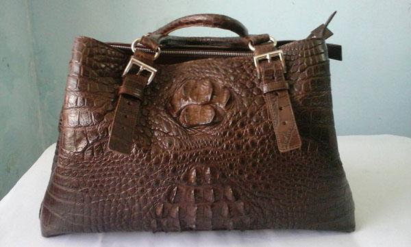 กระเป๋าหนังจระเข้แท้ สีน้ำตาลเข้ม #CRW379H-BR