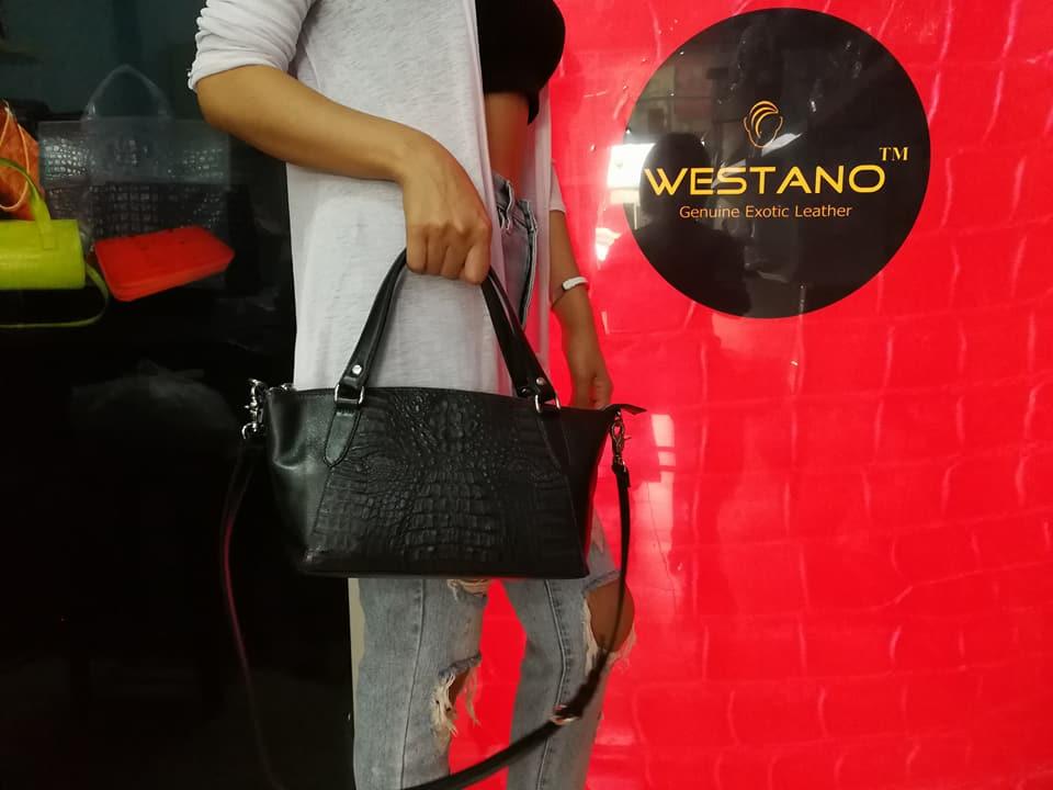 กระเป๋าหนังจระเข้แท้ สีดำ #CRW1217W-10-BL