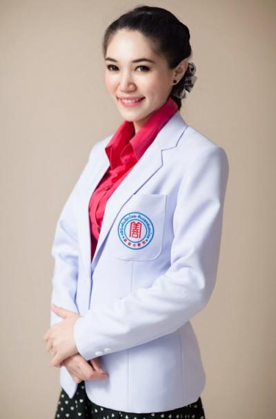 แพทย์จีน ศิรินทรา โคตรพรม (หมอจีน กัว เสวีย ฉิน)
