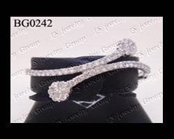 กำไลเพชรกระจุก (Diamonds Bangle) เพชร Heart&Arrow - Russian Cut
