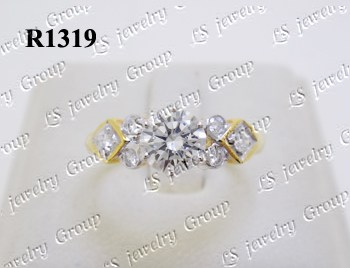 แหวนเพชร (Diamonds Ring) เพชร Heart&Arrow – Russian Cut Finest Diamonds