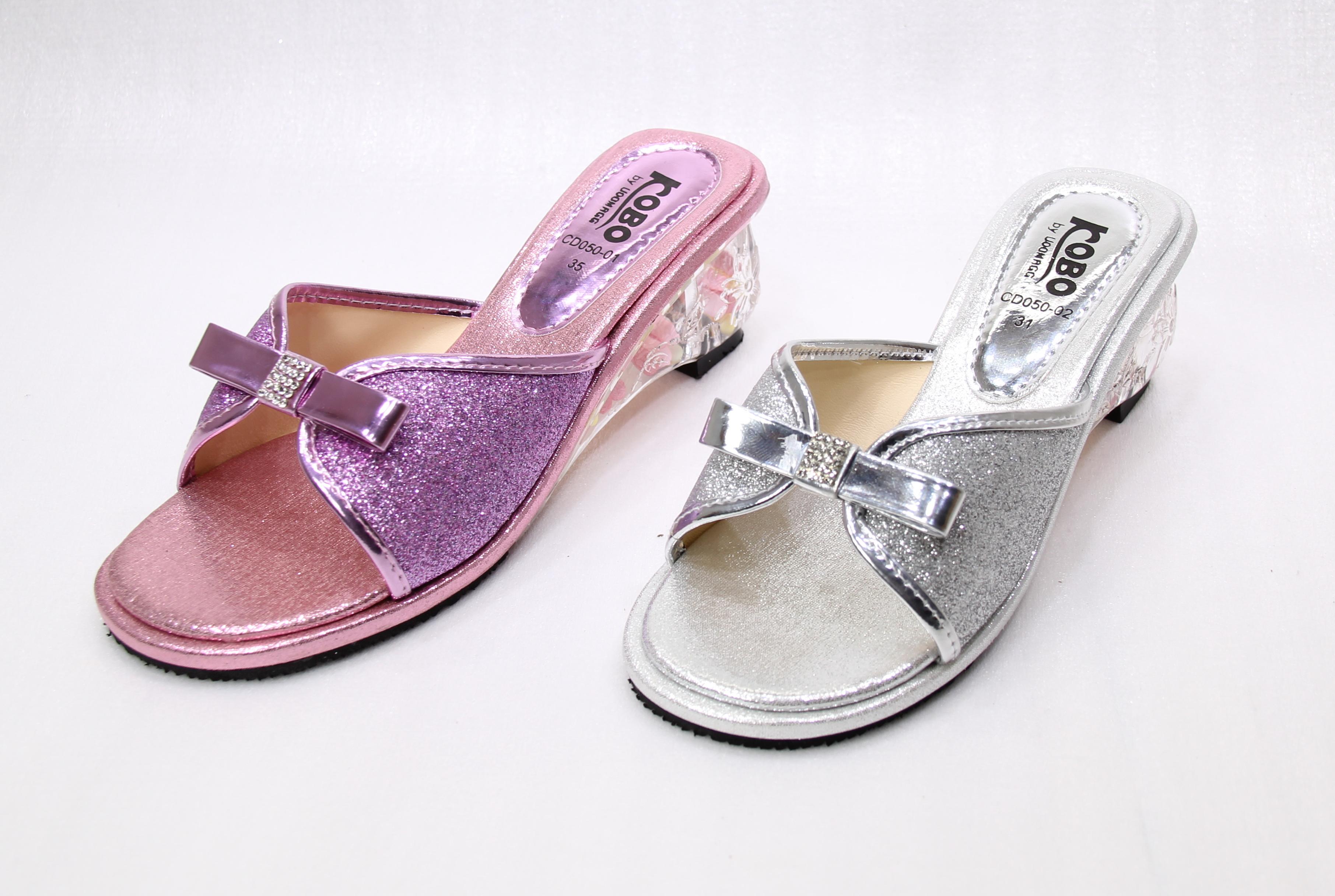 รองเท้าเด็กผู้หญิง รุ่น CD050