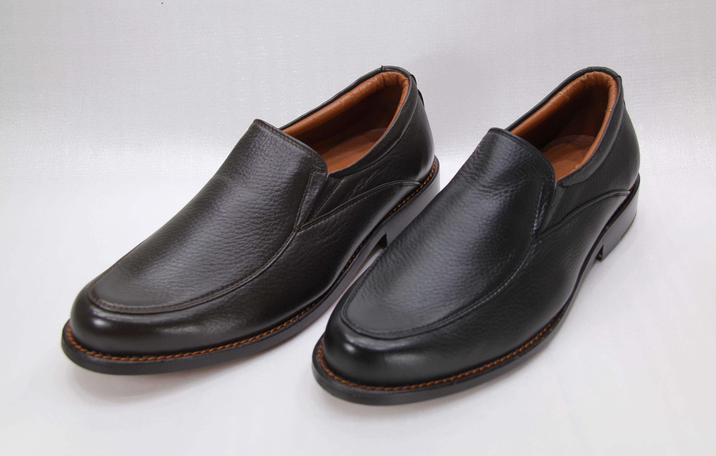 รองเท้าผู้ชายรุ่น MM417