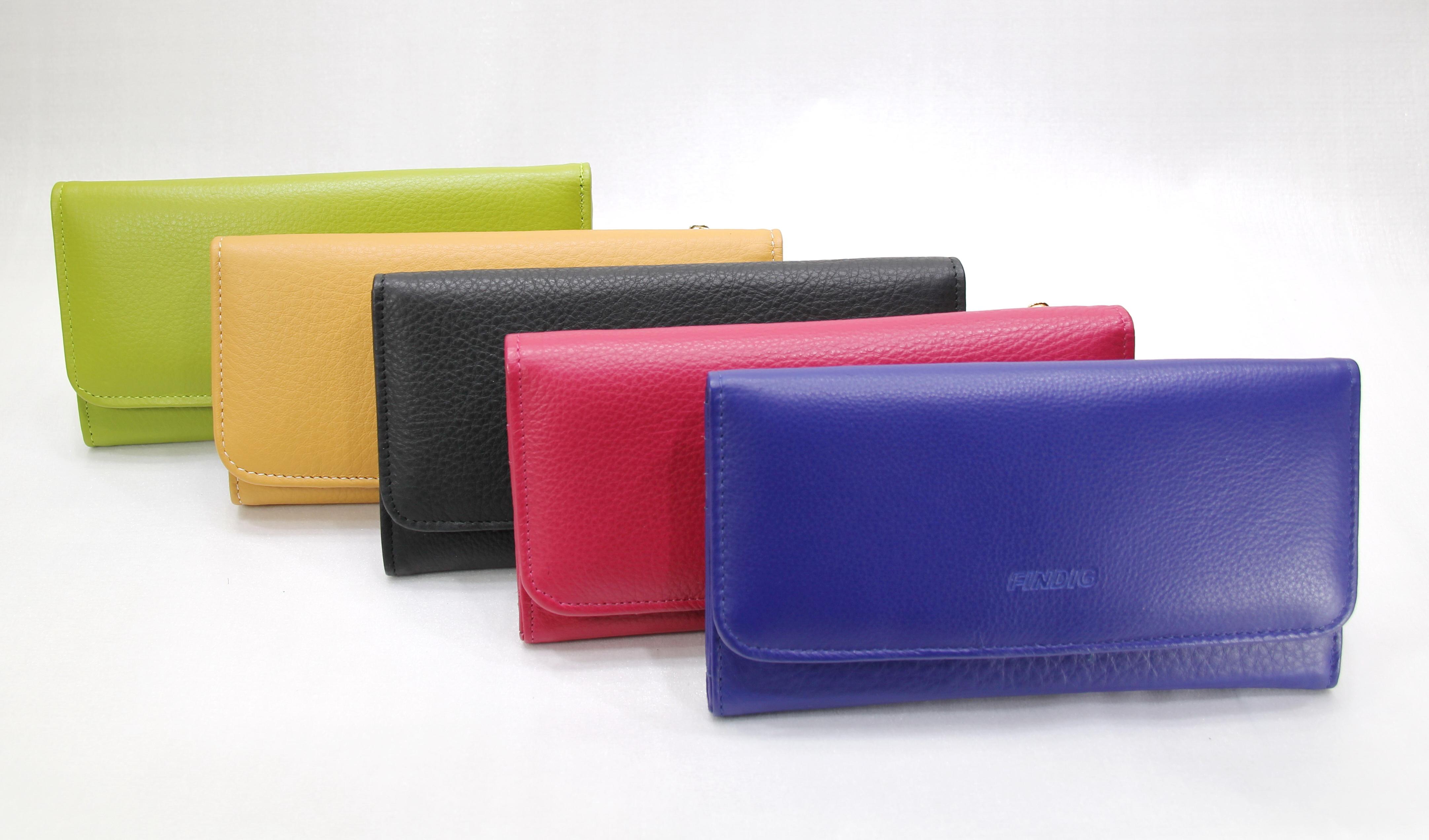 กระเป๋าสตางคืผู้หญิง รุ่น QB575
