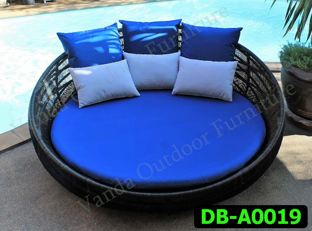 Rattan Daybed Product code DB-A0019