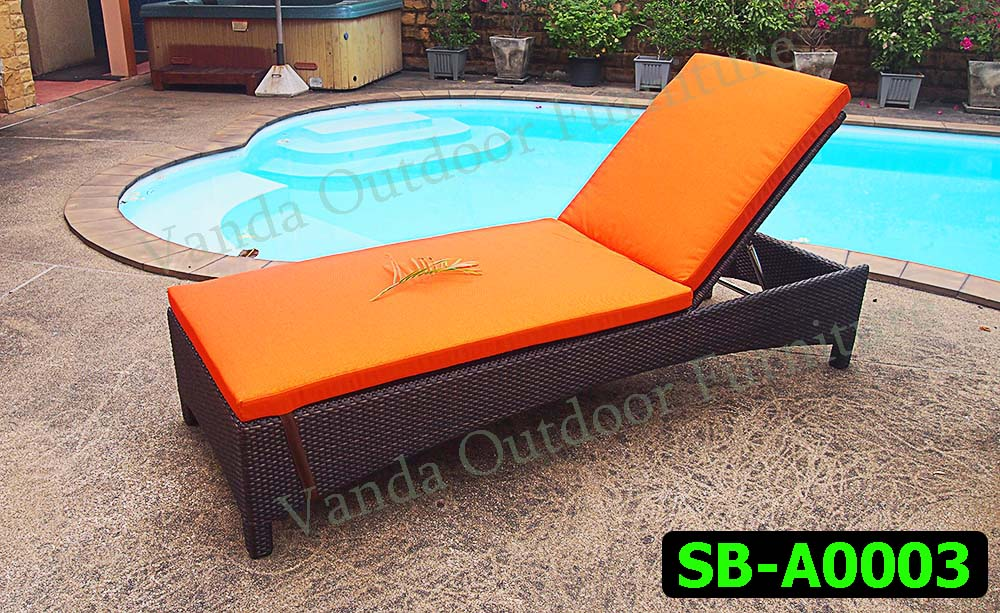 Rattan Sun Lounger/Bed Product code SB-A0003