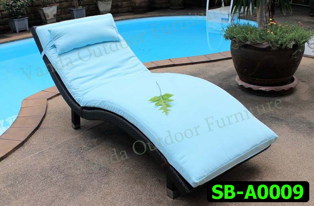 Rattan Sun Lounger/Bed Product code SB-A0009