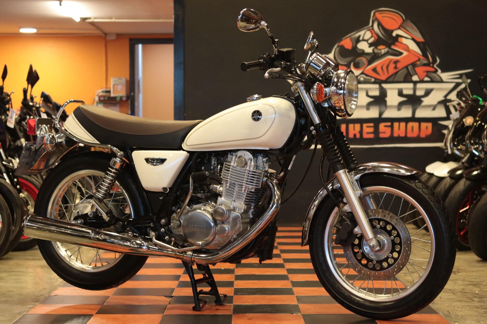 ขาย Yamaha SR400 ปี 2014 สภาพป้ายแดง4000โล