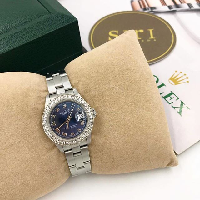 Used Lady's Size Series 7 Date just