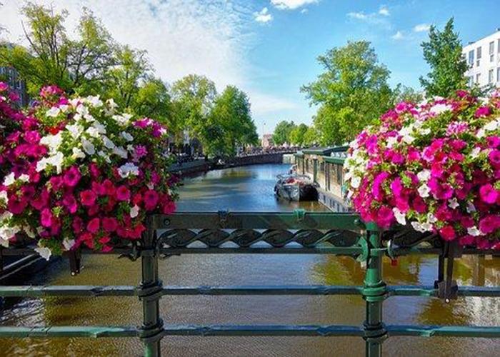 ทัวร์ยุโรป-เบลเยี่ยม ลักเซมเบิร์ก เยอรมนี เนเธอร์แลนด์