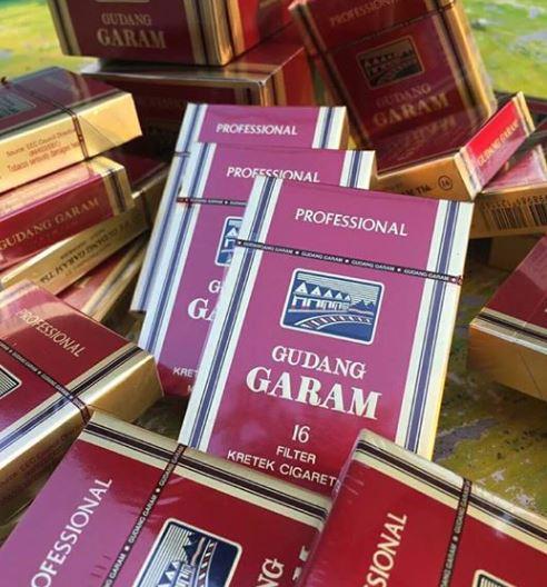 Garam กาแรม บุหรี่หวาน บุหรี่นอก บุหรี่นอกราคาถูก พร้อมส่ง 1ซอง 16 มวน   (กาแรม โปรเเดง)  สินค้าขายดีอีกหนึ่งตัว   ราชาของบุหรี่หวานก็ว่าได้