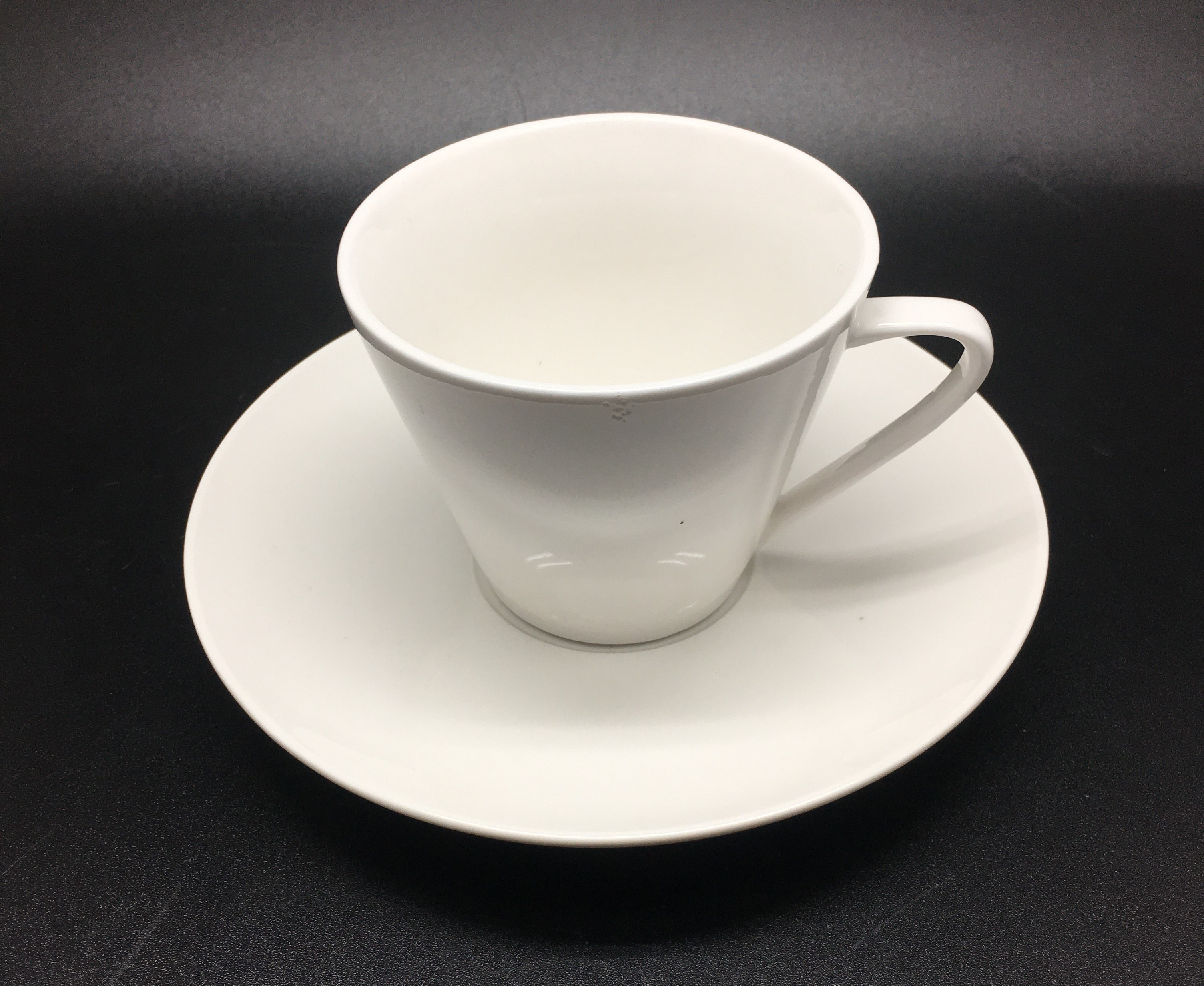 Taper Coffee Cup 220 cc D8.5x7 cm &Saucer without water relief