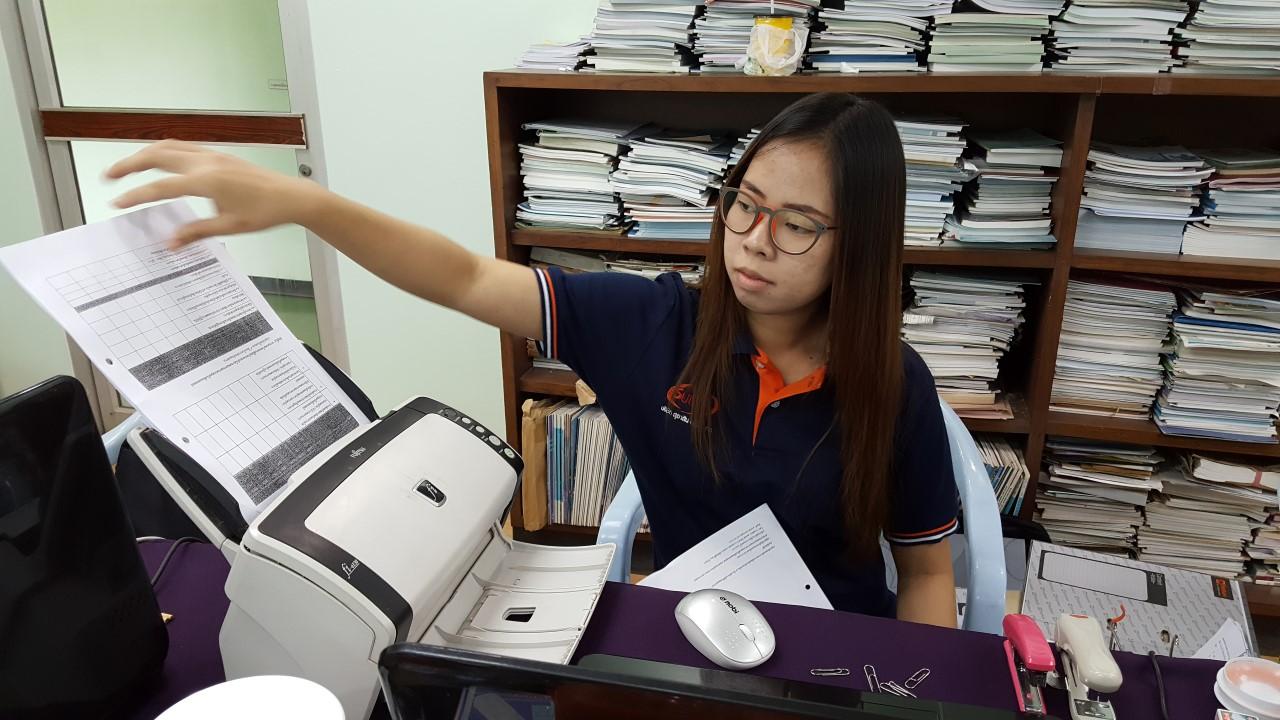 ทีม Data Staff เข้าปฏิบัติงานสแกนเอกสาร จัดเก็บเอกสารเข้าระบบ หน่วยงานองค์การสุรา