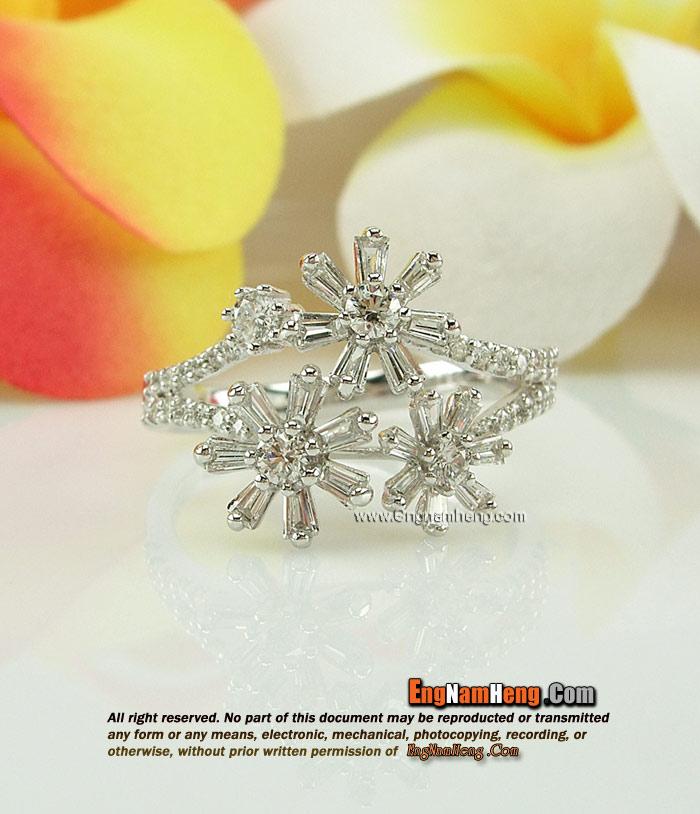แหวนเพชร น้ำ 97 รูปทรงดอกไม้ สวยหวาน ค่ะ