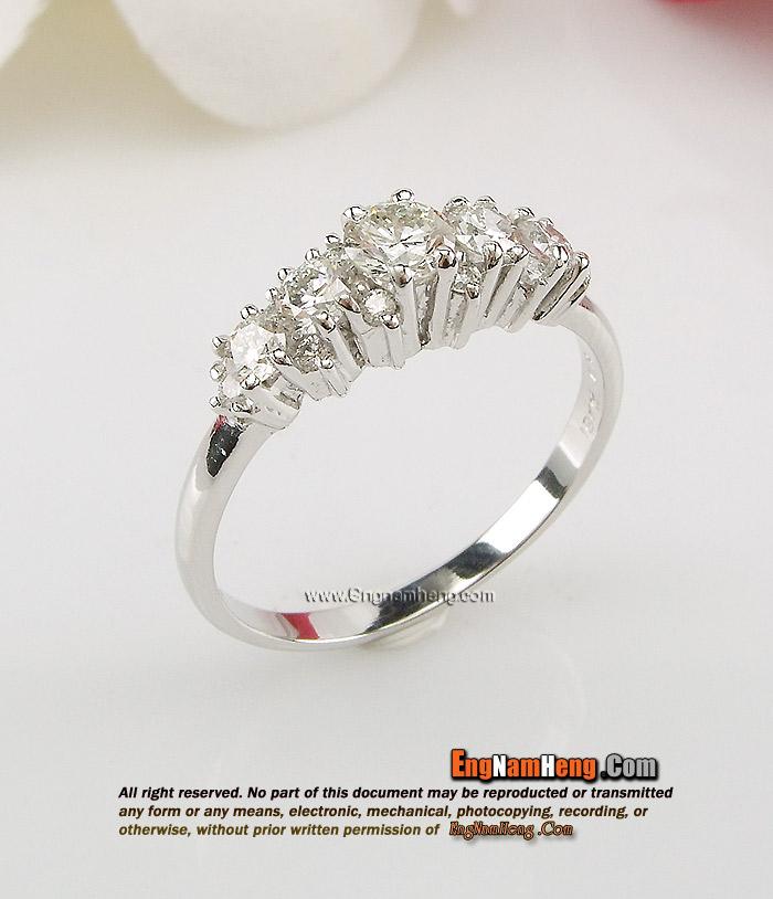 แหวนเพชรแท้เบลเยี่ยมคัท น้ำ96 สวยน่ารัก เรียงเต็มนิ้วค่ะ