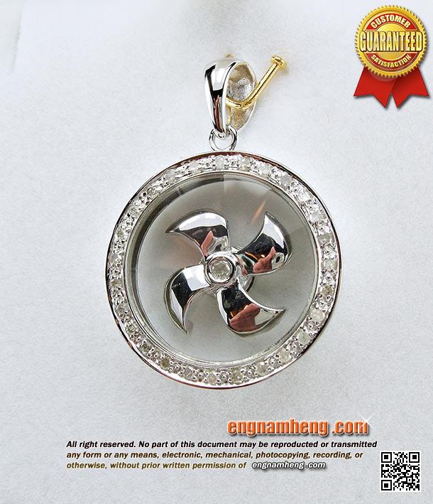 จี้กังหันนำโชค ประดับเพชรแท้ สินค้านำเข้าจากฮ๋องกง ตัวเรือนทอง 18K (750) ค่ะ
