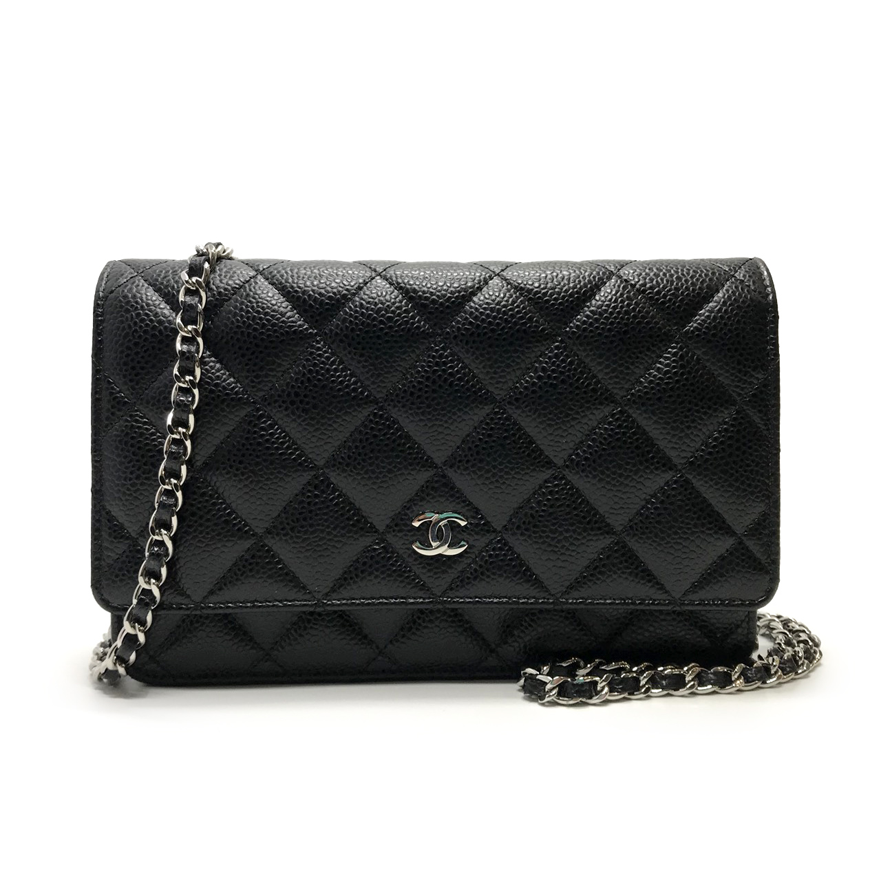 Like New Chanel Classic Wallet On ChainBlack in  Caviar SHW