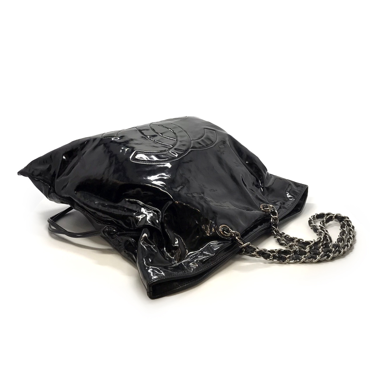 Used Chanel CC Shoulderbag in Black Patent Leather SHW