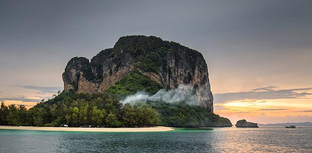 ดินเนอร์บนเรือหลุยส์ ชมวิว 7 เกาะ