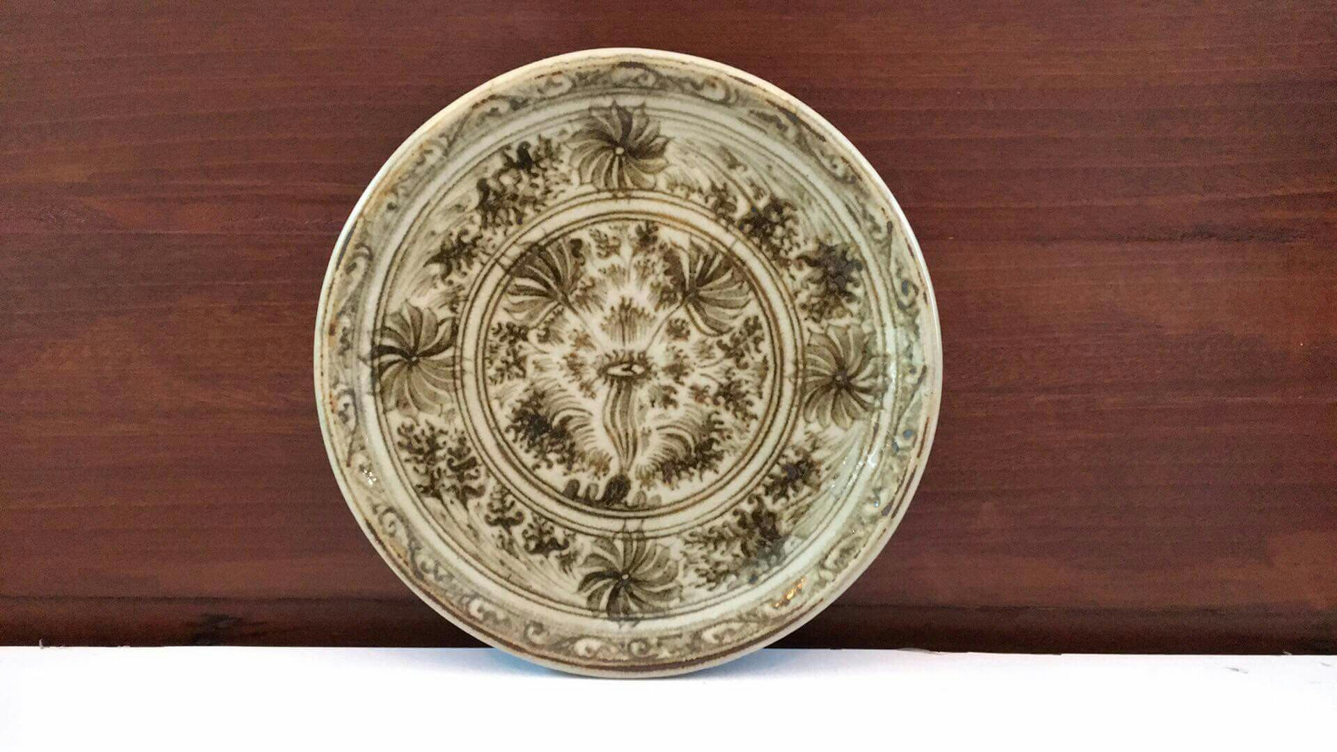 Ceramic Plate - Wiang Galong (Brown Flower)