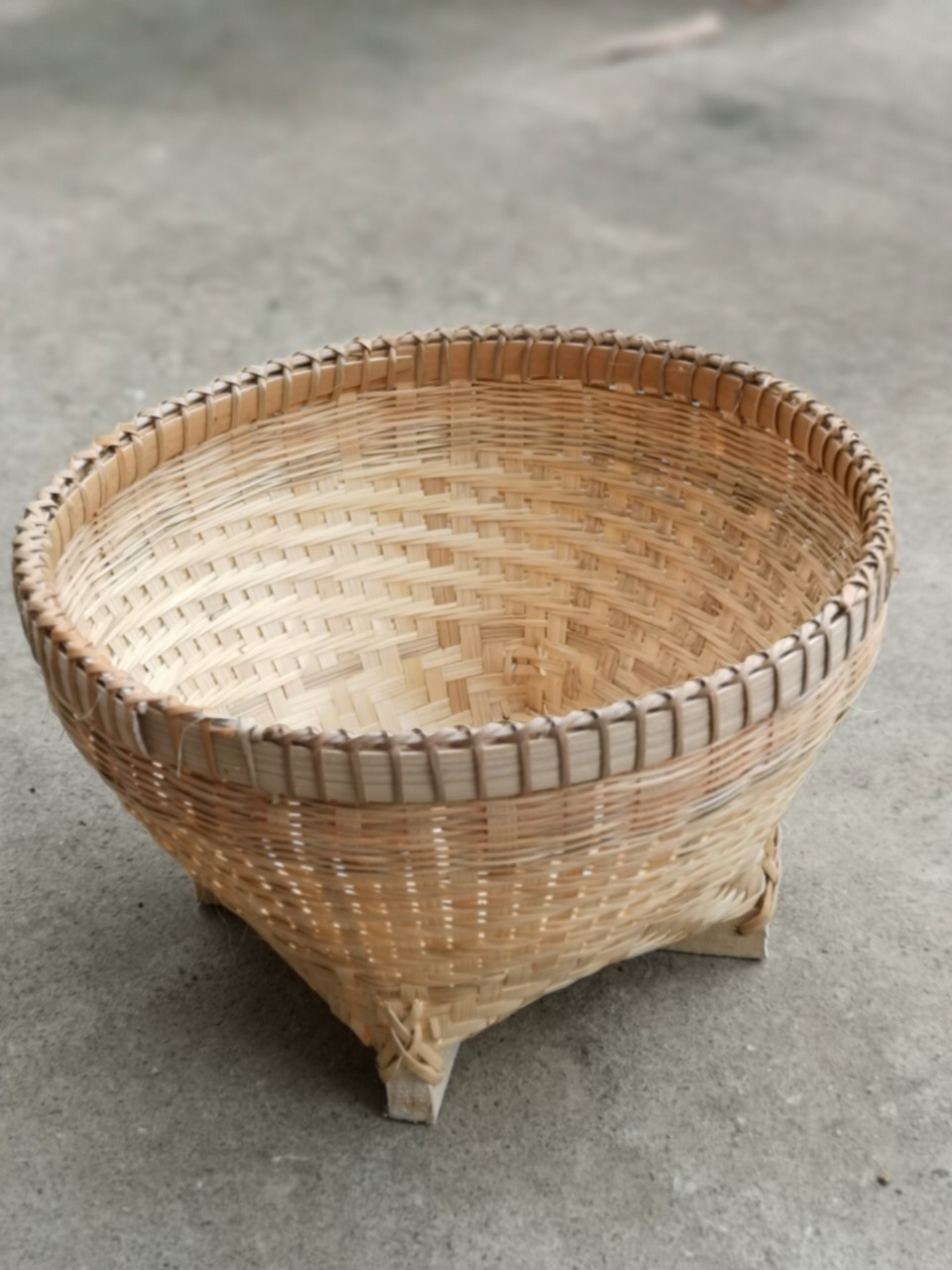 Natural color basket