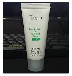 Make prem Safe me. Relief moisture cleansing foam 20ml