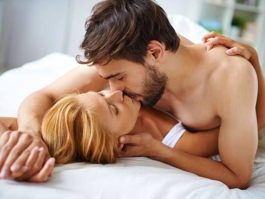 ท่วงท่าที่เหมาะสมในการมีเพศสัมพันธ์ขณะตั้งครรภ์