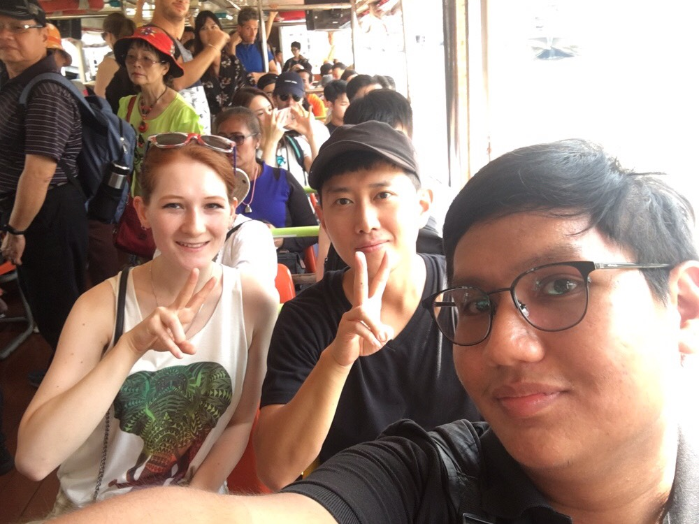 Thai Local Guide, with 10 languages licensed tour guide