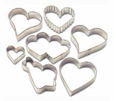 2308-1237 Wilton 7PC METAL HEART CC SET