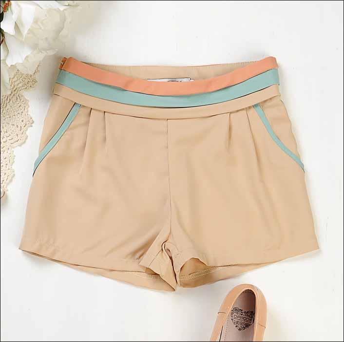[[*พร้อมส่ง L]] [Qi-151-2] Qian Qian++กางเกง++กางเกงขาสั้นสีครีมลายแถบ