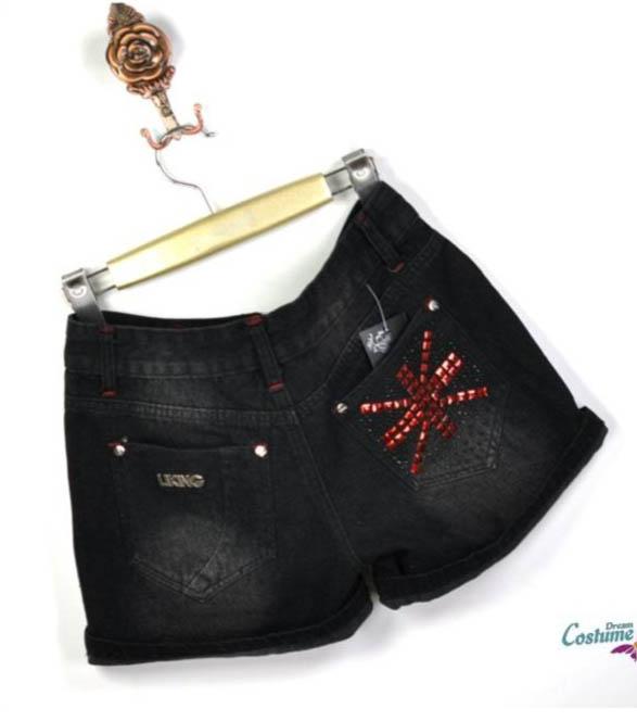 [[พร้อมส่ง S]] [Yi-857] FZY++กางเกงยีนส์++กางเกงยีนส์ขาสั้นสีดำ ปักเลื่อมกระเป๋าหลังลายสีแดง