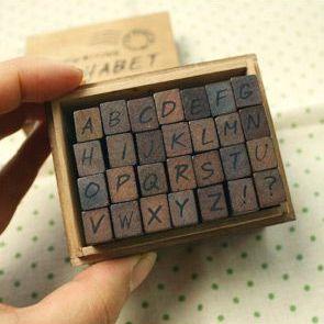 Stamp Set ตัวอักษรภาษาอังกฤษตัวพิมพ์ใหญ่ ตัวเอียง ขนาดทั้งเซ็ท 6.5 x 8 x 5 cm.