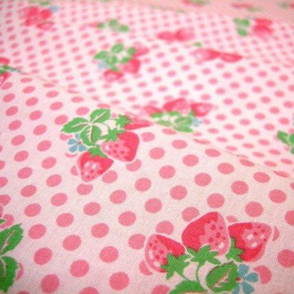 ผ้า cotton ของ A-TWO ลายเชอรี่ชมพูพื้นขาว ขนาด 1/8 m.(25*55 ซม.)