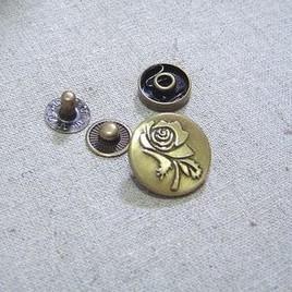 กระดุมตอก กุหลาบกลม ขนาด 1.5 cm. ราคา/ชุด