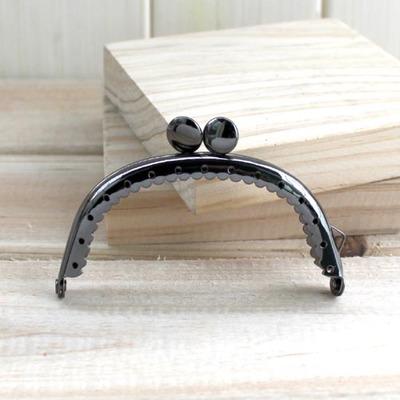 ปากกระเป๋าทรงกลม สีบรอนซ์ดำ ขนาด 8.5 cm.